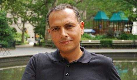سانتياغو خيل يحصد جائزة غالدوس الأدبية