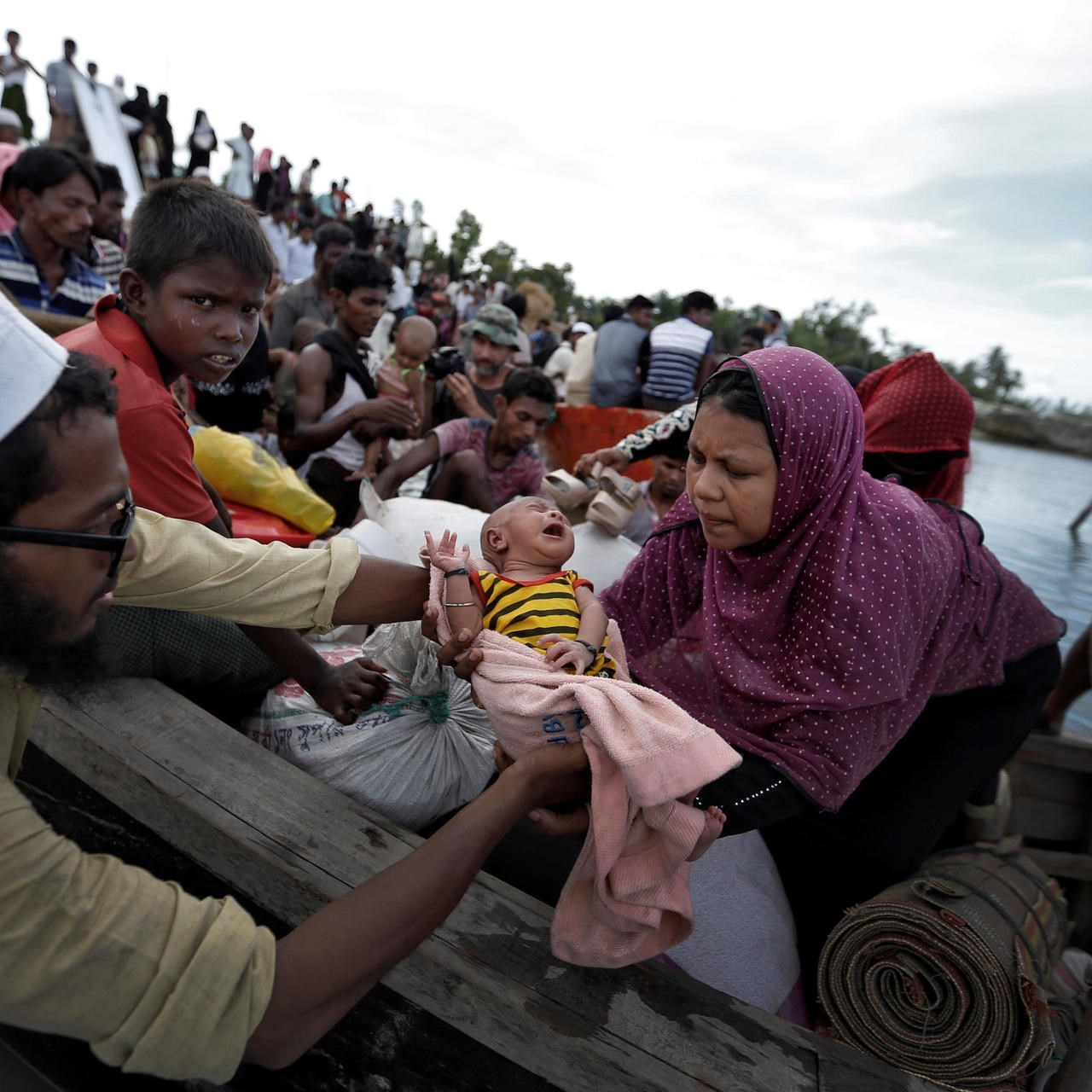 نقل لاجئي روهينغا إلى جزيرة قد تختفي في أي لحظة