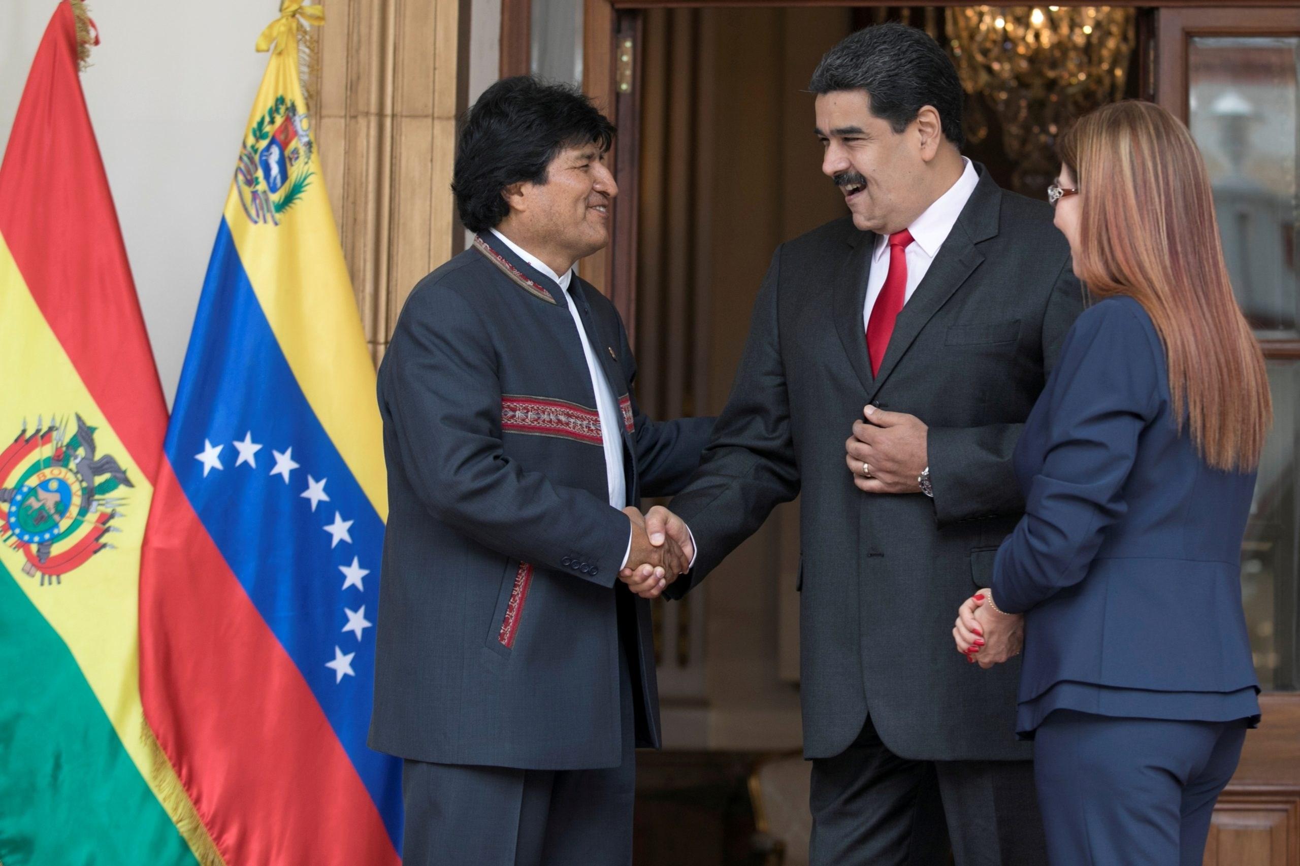 موراليس في كاراكاس للمشاركة في الانتخابات