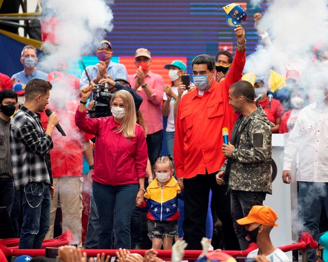 فنزويلا تنتخب برغم الحصار ومحاولات زعزعة الاستقرار.. إلام يؤشر الحدث؟