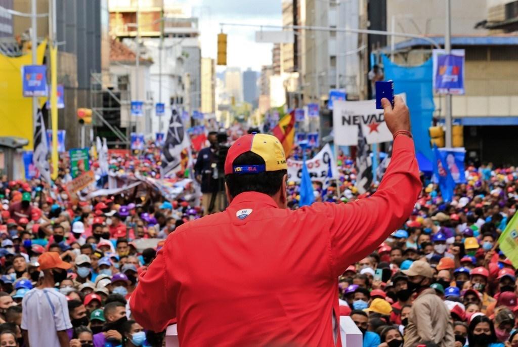 الرئيس نيكولاس مادورو خلال تجمع انتخابي في كاراكاس - 3 ديسمبر 2020 (أ.ف.ب)