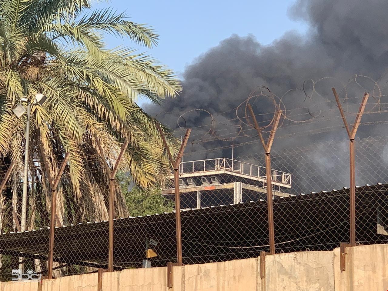 اندلاع حريق في مبنى مسرح الرشيد وسط العاصمة العراقية بغداد