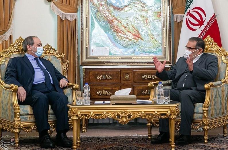 شمخاني: العلاقات الاستراتيجية بين سوريا وإيران ذات مستوى عالٍ
