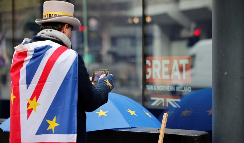 ناشط معارض لخروج بريطانيا من الاتحاد الأوروبي (أ ف ب - أرشيف)