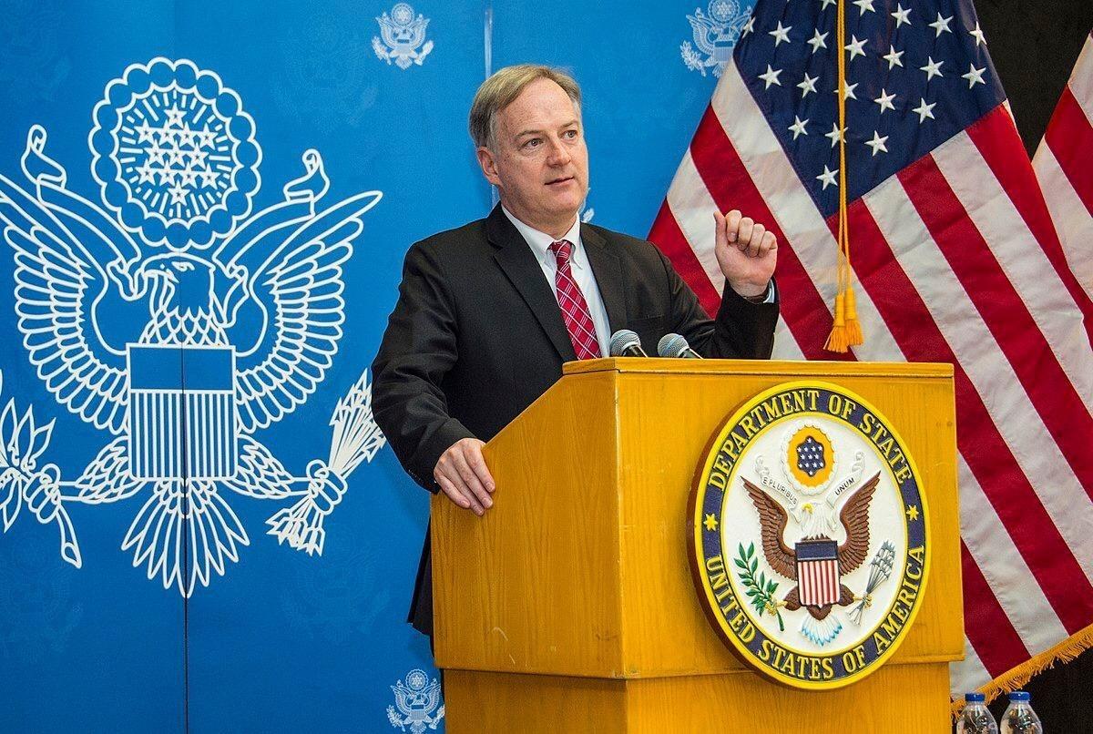 كريستوفر هنزل كان القائم بالأعمال المؤقت للسفارة الأميركية في الرياض