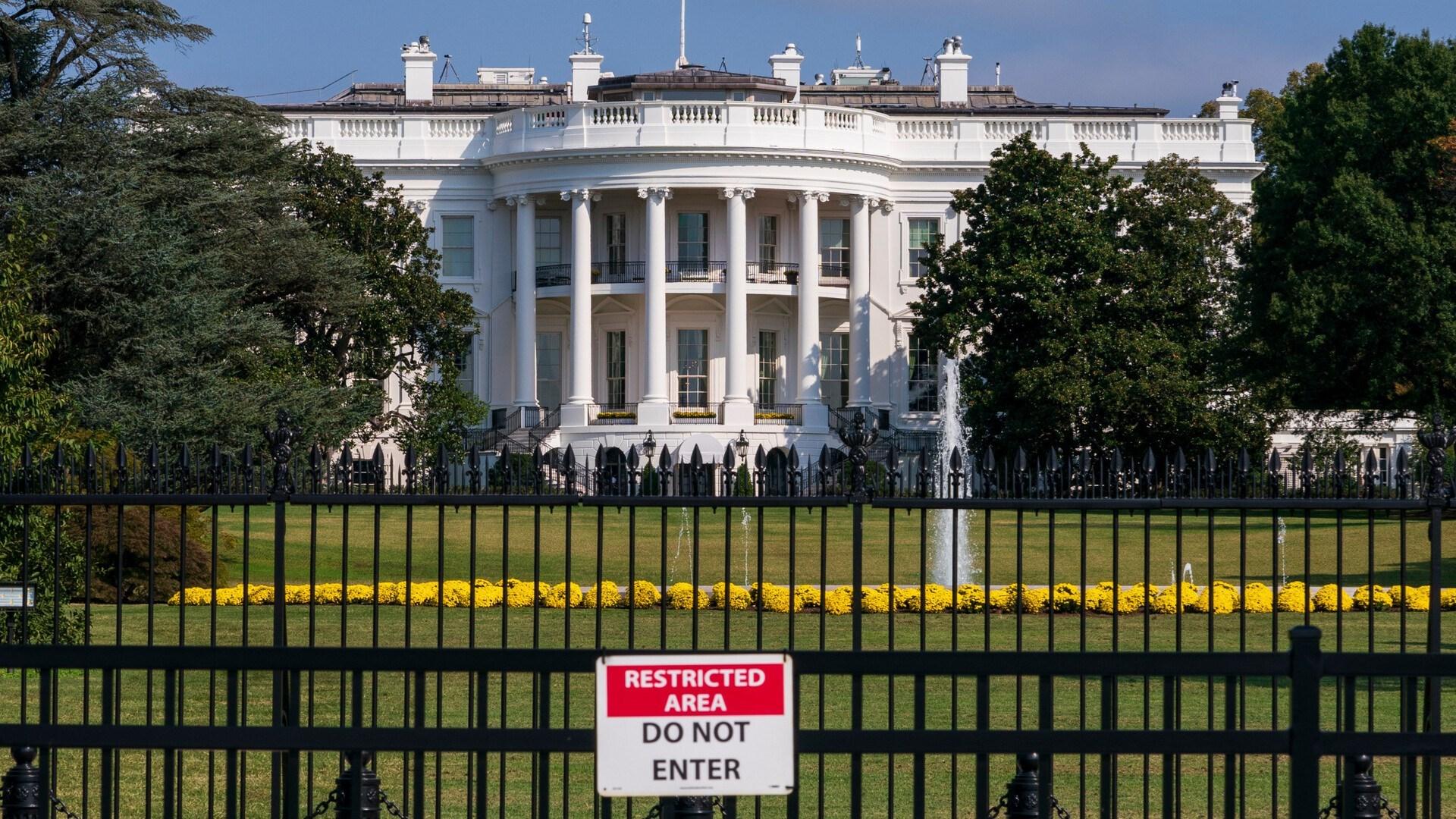 البيت الأبيض يقترح حزمة تحفيز جديدة لإنقاذ الاقتصاد الأميركي