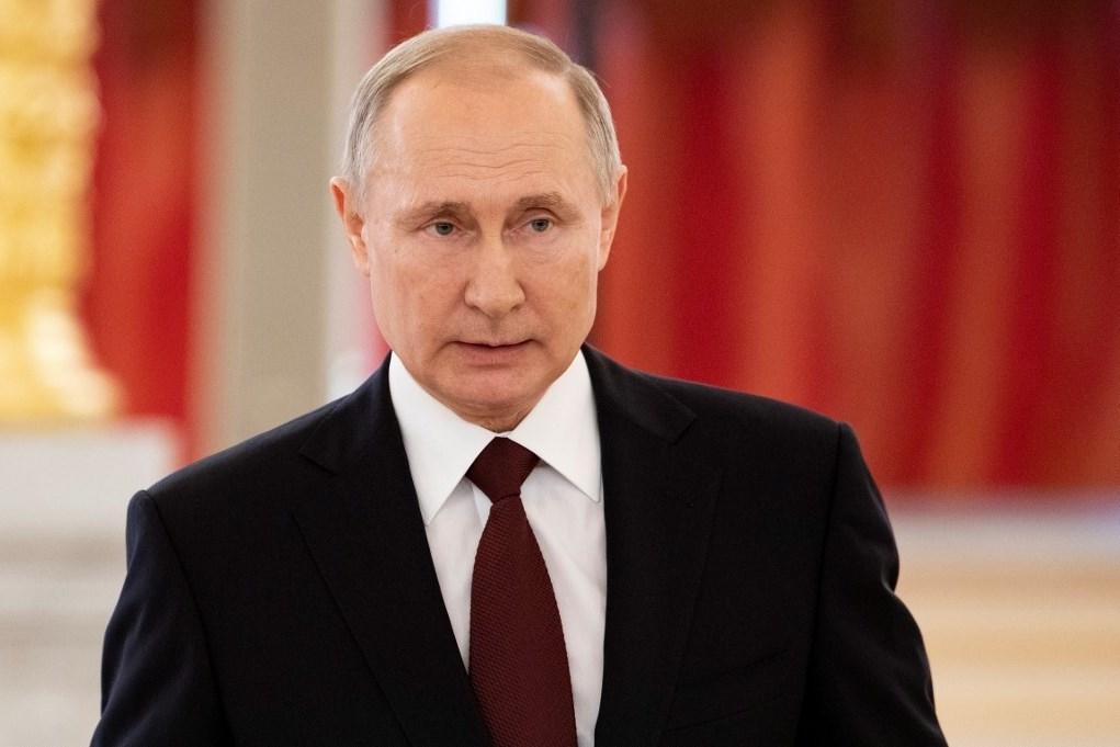 بوتين يشيد بدور الخارجية الروسية في استقرار الوضع في سوريا
