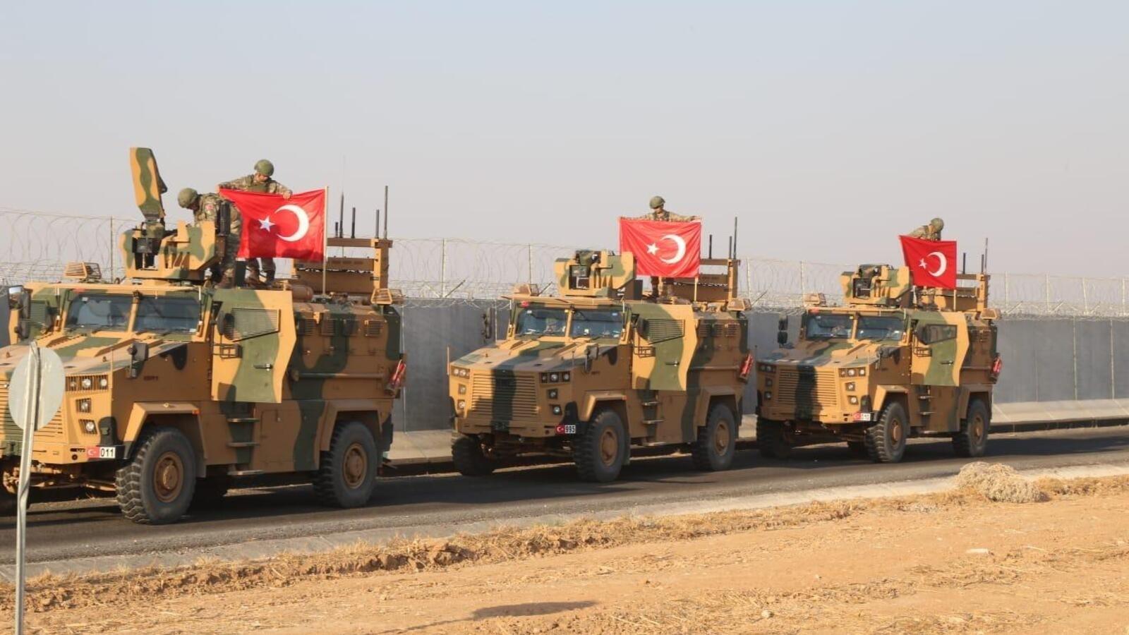 عسكر تركيا في إدلب.. مراقبة وحماية وحساب