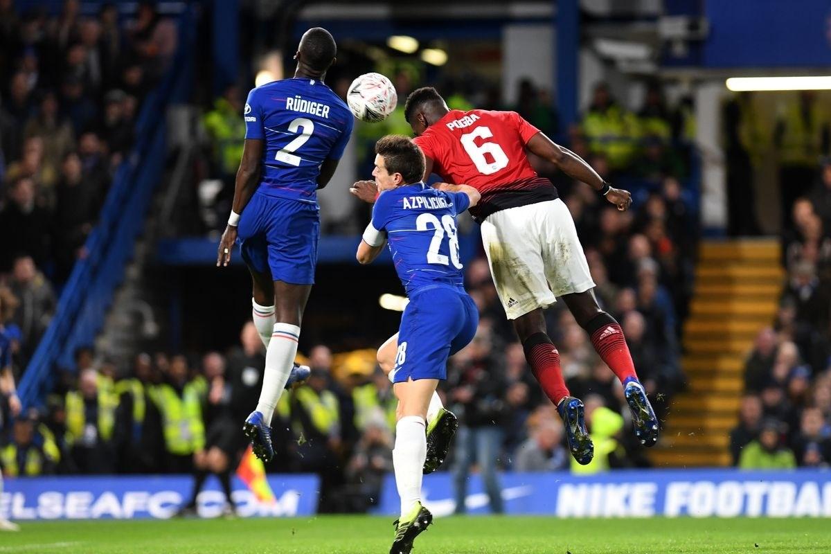 الدوري الإنكليزي: ليفربول لتعزيز صدارته وتشيلسي للانتقام من مانشستر يونايتد