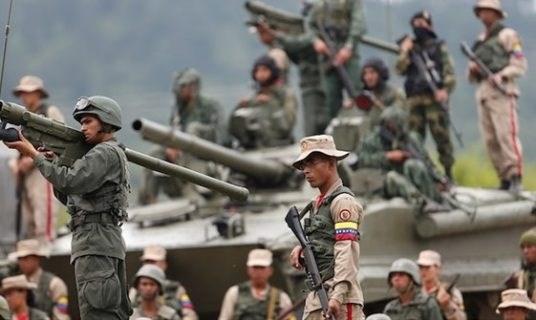 مادورو: تدريباتنا العسكرية لا تهدد أحداً
