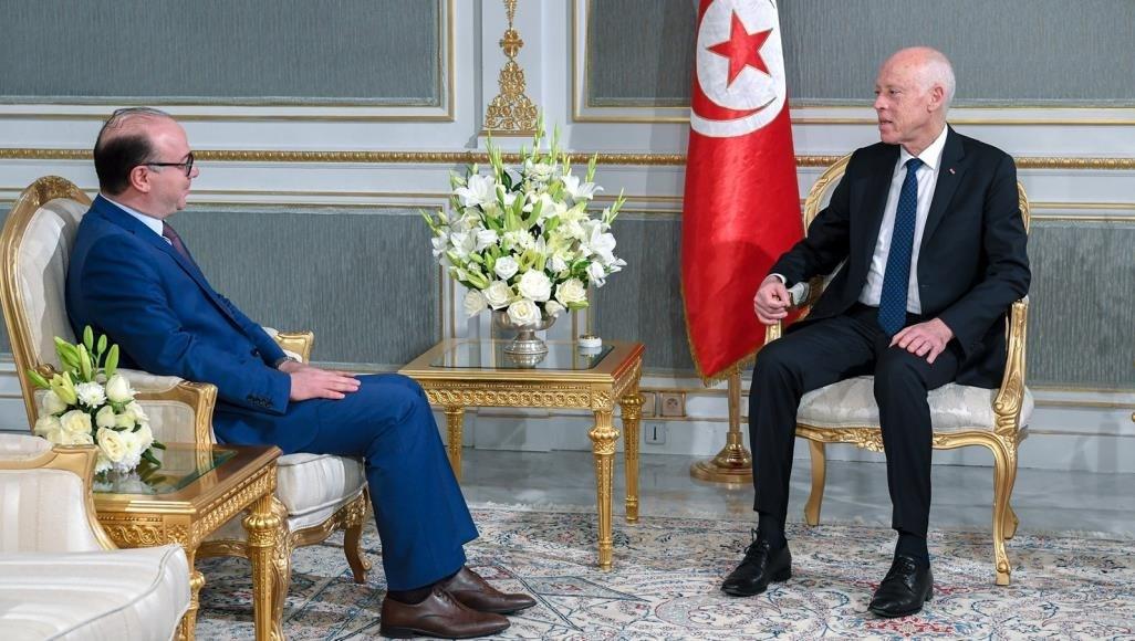 الفخاخ يتقدم بتشكيلة حكومته للرئيس التونسي
