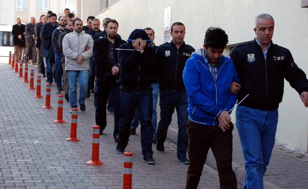 تركيا تأمر باعتقال 228 شخصاً للاشتباه في صلتهم بـفتح الله غولن
