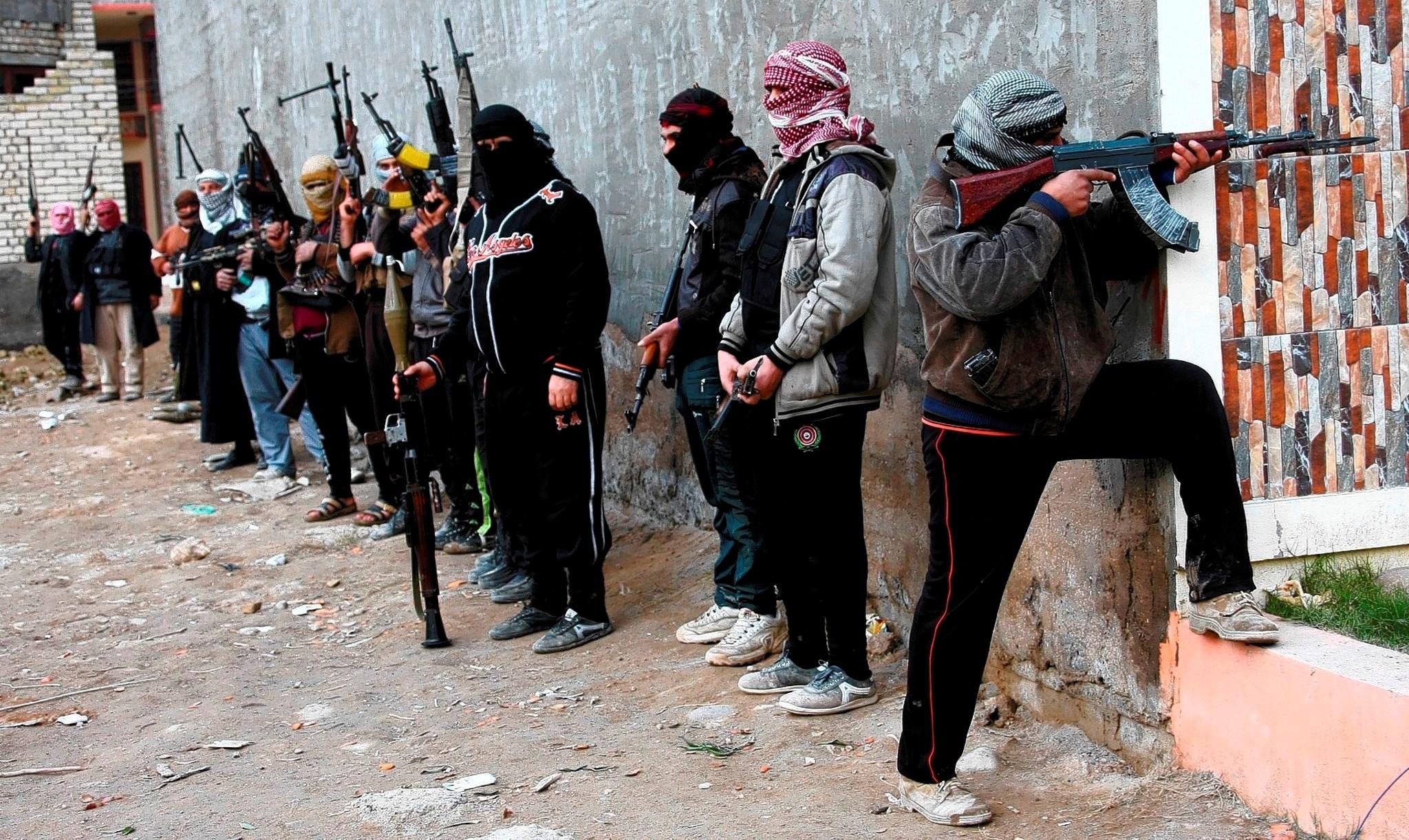 البنتاغون تفقد 715 مليون دولار من الأسلحة والعتاد المنقول إلى المسلحين في سوريا