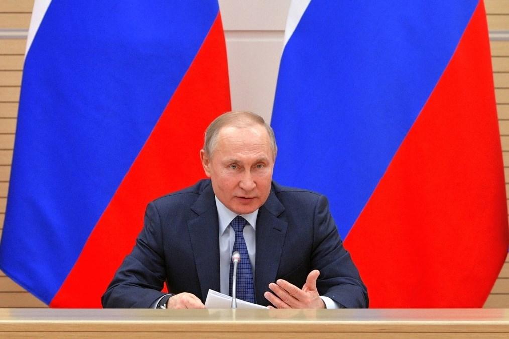 بوتين يؤكّد ضرورة اتخاذ إجراءات فعّالة لتحييد الخطر الإرهابي في سوريا