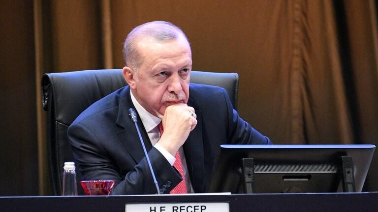 """إردوغان فَقَدَ هيبته.. يعترف بـ""""اتفاقية أضنة"""" وينكر من وقّعها"""