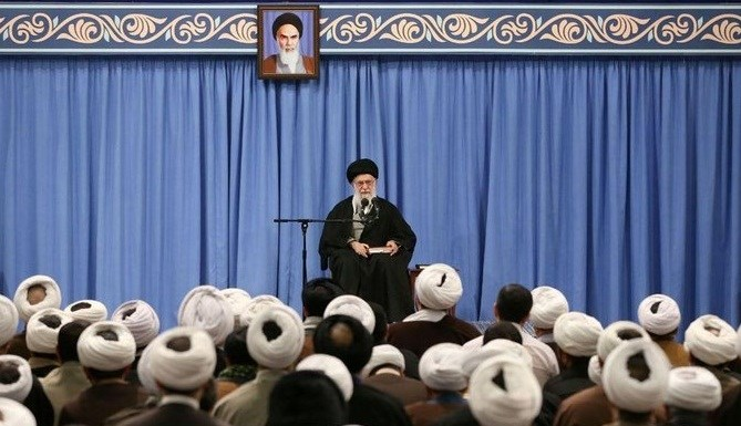 خامنئي: الشعب الإيراني أحبط دعاية الأعداء التي تستهدف إيران