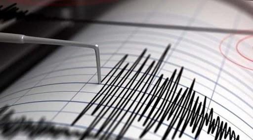 """زلزال يضرب ميناء """"لافت"""" جنوب إيران"""