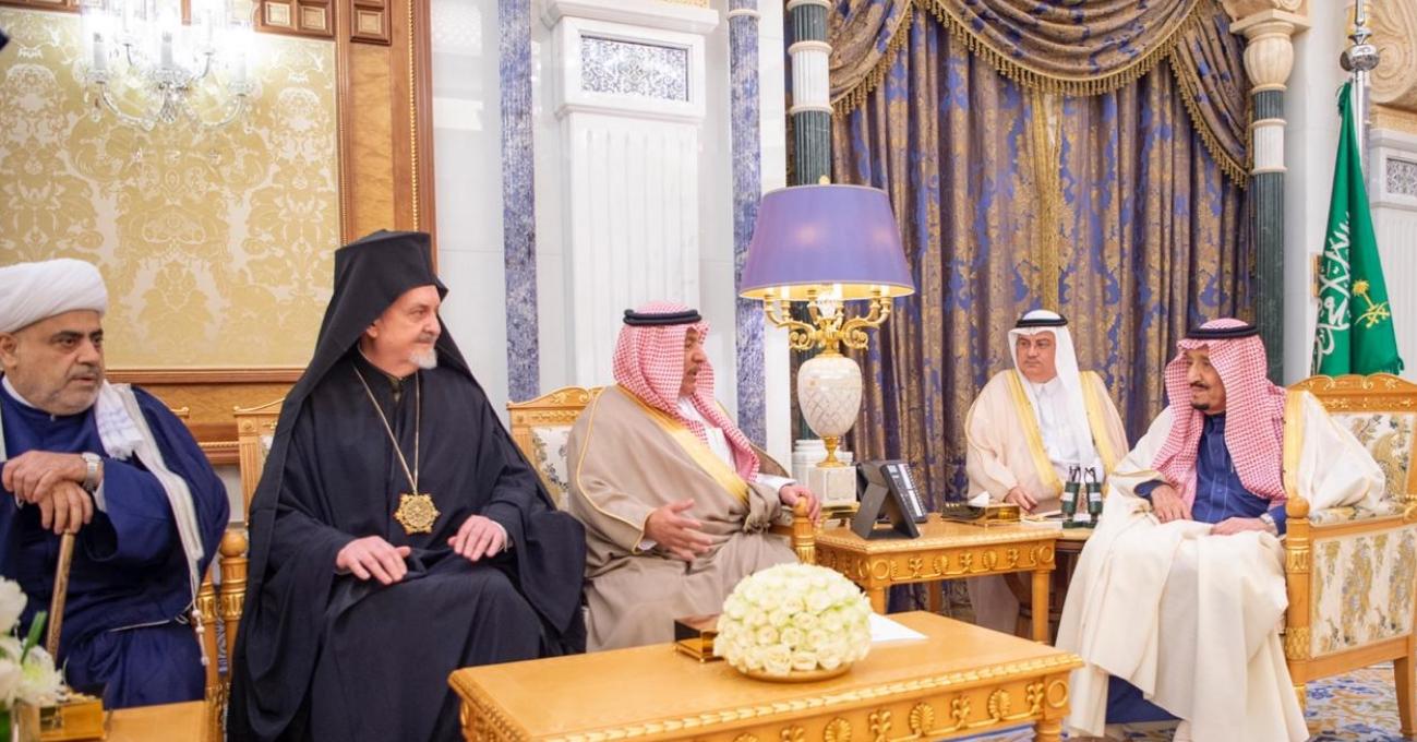 الملك السعودي يستقبل حاخاماً إسرائيلياً في الرياض