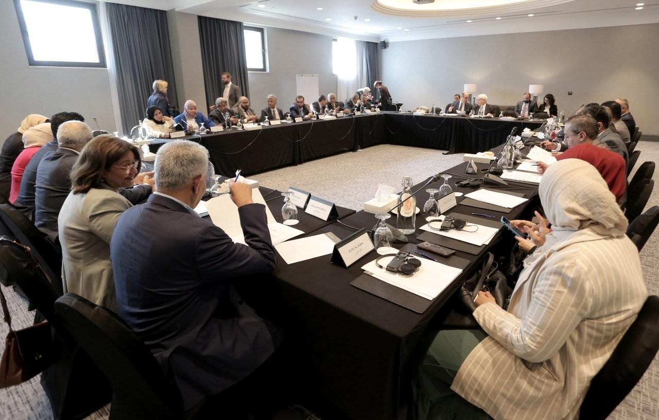 الحنش للميادين: اجتماعات المبعوث الأممي إلى اليمن هدفها إطالة أمد الحرب