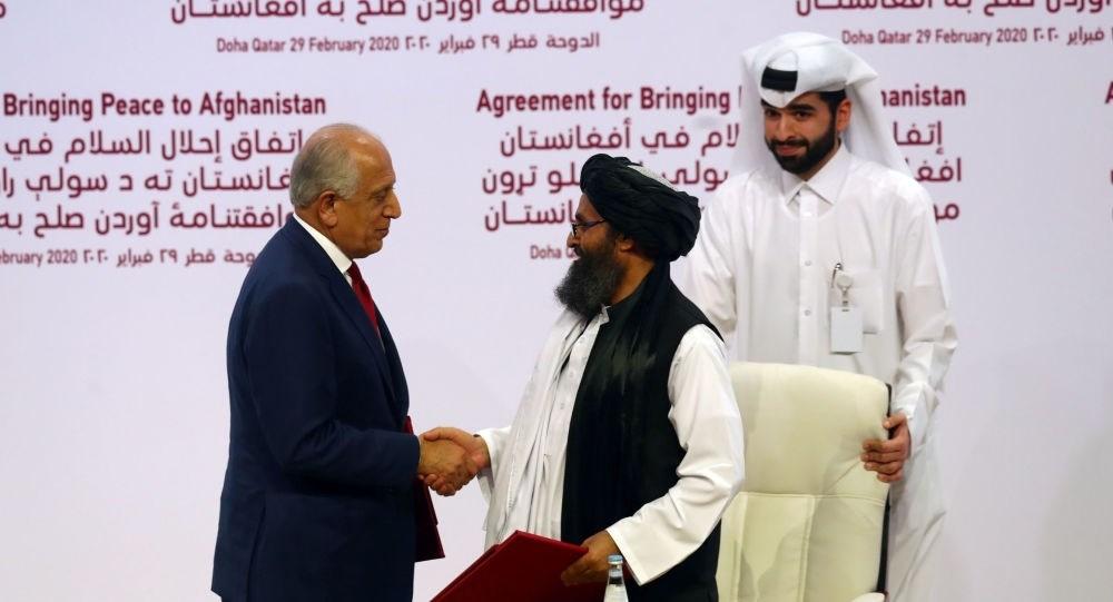 """واشنطن و""""طالبان"""" توقعان اتفاق السلام في الدوحة"""