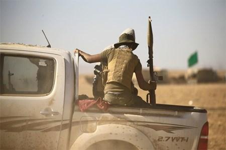 """استشهاد 3 أشخاص من """"الحشد"""" بهجوم انتحاري لـ""""داعش"""" شرق تكريت"""