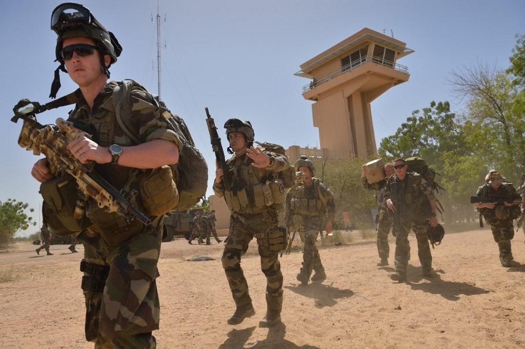 الجيش الفرنسي يعلن مقتل أكثر من 30 متشدداً في مالي