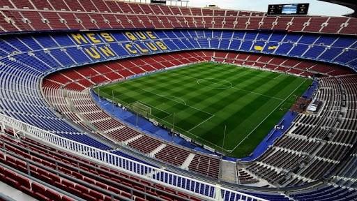 """أضرار """"كورونا"""" تصل إلى مباراة برشلونة ونابولي"""