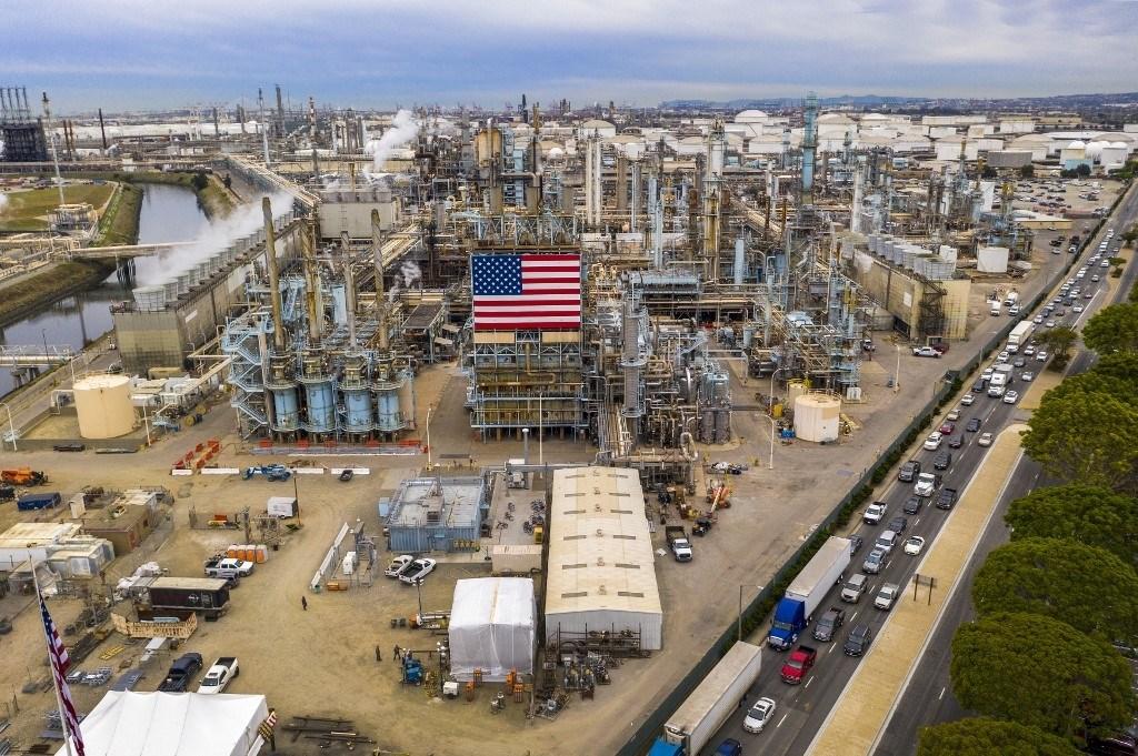 ترامب وابن سلمان يبحثان موضوع أسواق الطاقة العالميّة بعد هبوط أسعار النفط