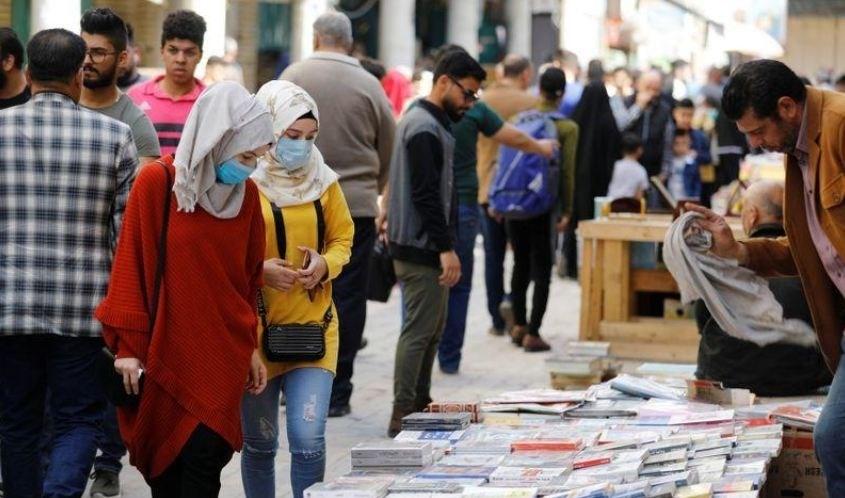 بائعو الكتب في بغداد يتحدّون كورونا