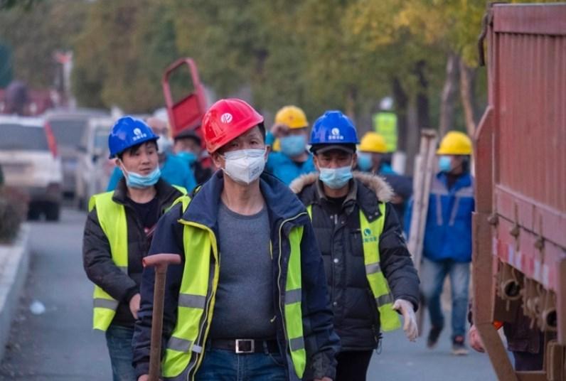 بعد أسابيع من الحجر... استئناف العمل في إقليم هوباي الصيني