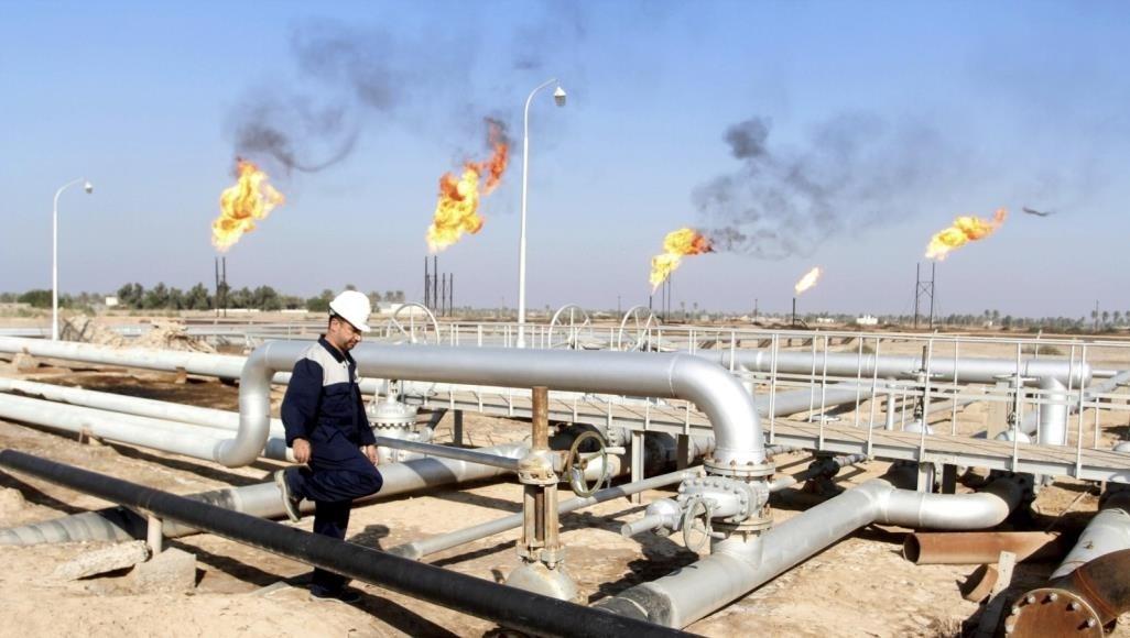 العراق والكويت يخفضان سعر برميل النفط لعملائهما الآسيويين