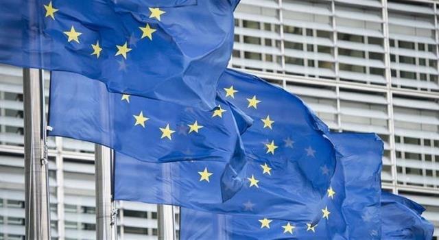 """الاتحاد الأوروبي """"غير موافق"""" على حظر السفر الذي فرضه ترامب"""