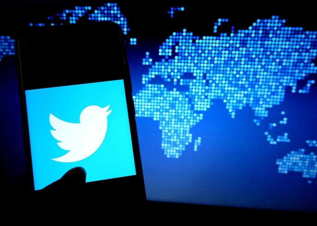 """""""تويتر"""" تطلب من موظّفيها العمل من منازلهم بسبب تفشي كورونا"""