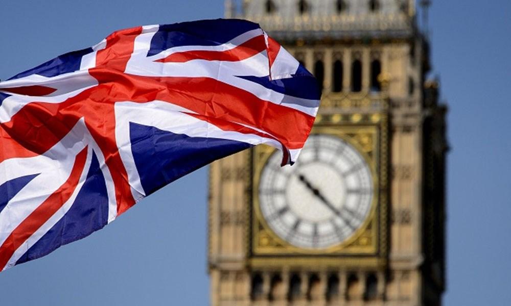 اختصاصيون بريطانيون لا يوصون الحكومة بفرض حظر سفر بسبب تفشي كورونا
