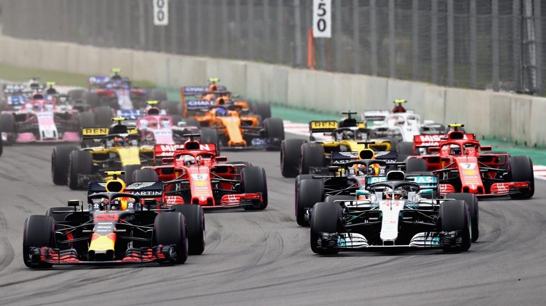 فيا: يعلّق سباقيّ البحرين وفيتنام!