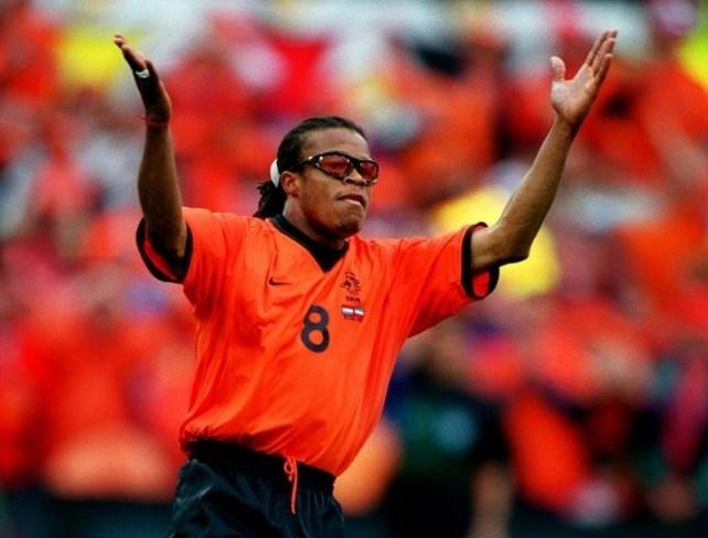 إدغار ديفيدز .. البرتقالة على طاولة كرة القدم