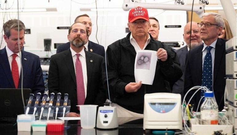 هل يقضي وباء كورونا العالمي على أحلام ترامب؟