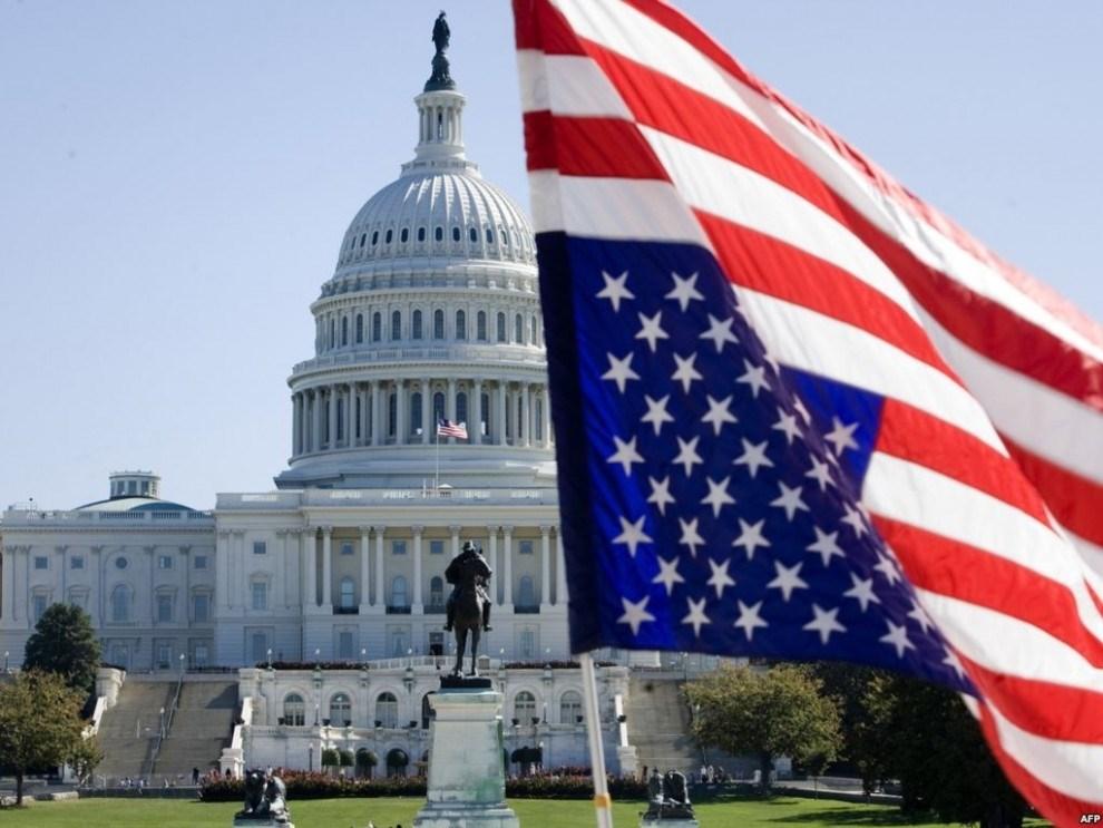 البرلمان الأميركي يقر حزمة مساعدات لمواجهة فيروس كورونا