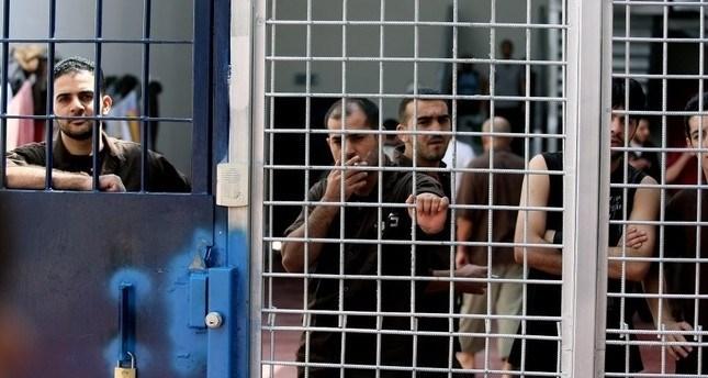 الحركة الأسيرة: إداراة السجون لا تتخذ أي إجراءات وقائية ضد كورونا