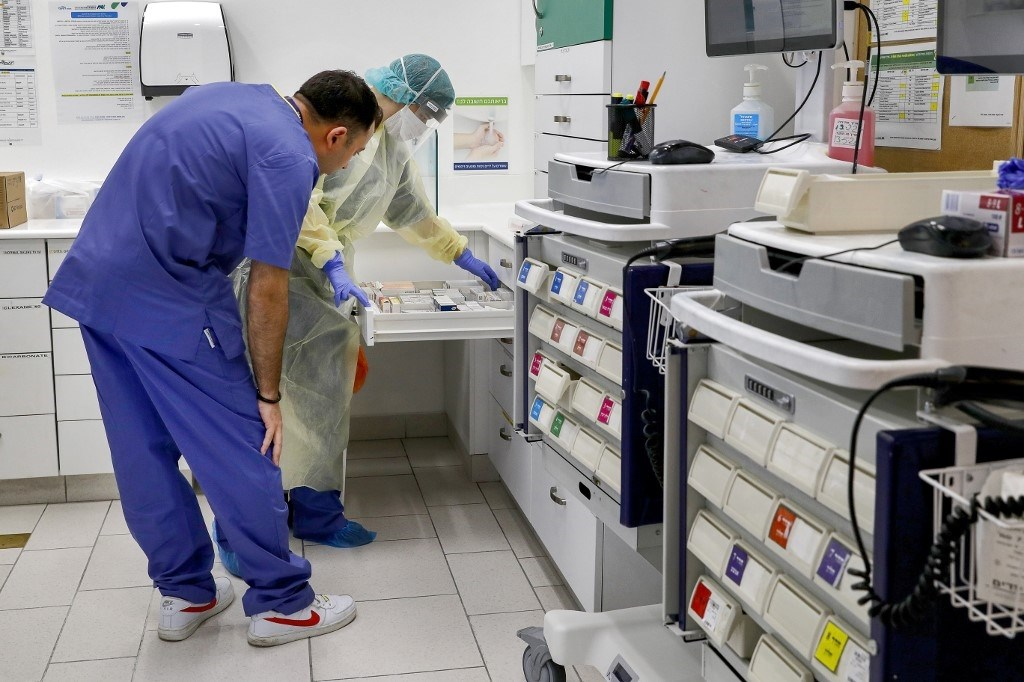 أطباء إسرائيليون ينتقدون نقص معدات الوقاية ما يرفع مخاطر كورونا