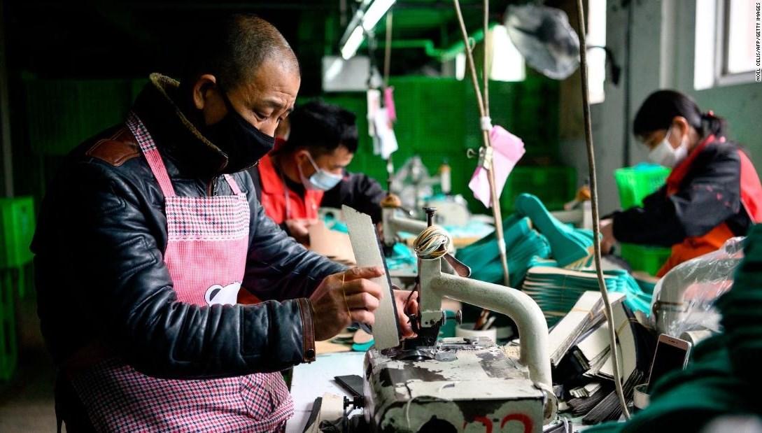 بعد انخفاض كبير بسبب كورونا... الماكينة الصينية تدور من جديد