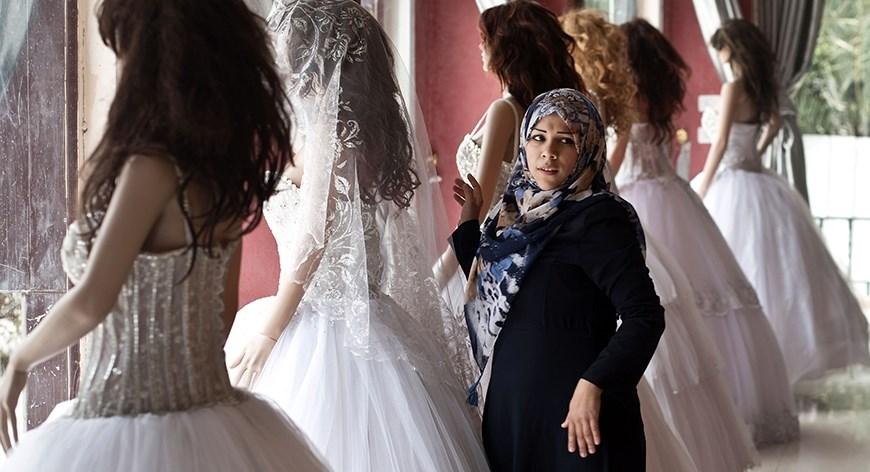 في غزة: من قفص الزوجية إلى السجن؟