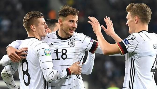 """لفتة رائعة من لاعبي منتخب ألمانيا في مواجهة """"كورونا"""""""