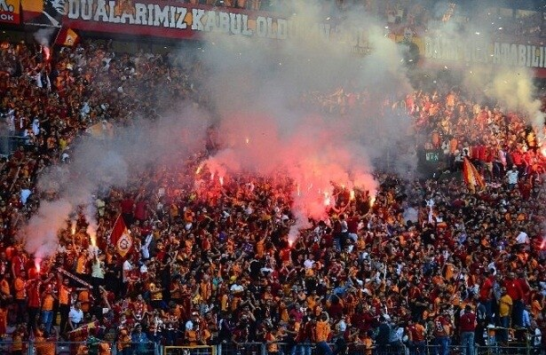 الاتحاد التركي لكرة القدم يخضع لكورونا!