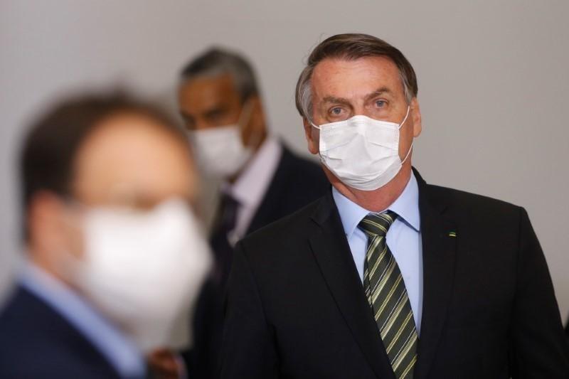 إصابة مسؤولين كبار في البرازيل بفيروس كورونا واحتجاجات تطالب برحيل بولسونارو