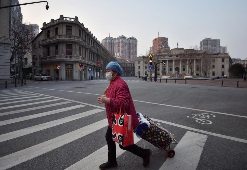 """""""فوربس"""": الإغلاق التام بسبب """"كورونا"""" قد ينقذ 77000 شخص في الصين"""