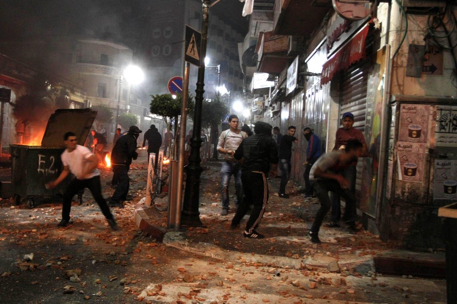 قوات الاحتلال الاسرائيلي تقتحم بلدة العيسوية في القدس المحتلة