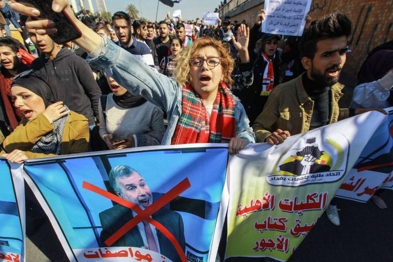 بين ضغط الشارع العراقي والمناكفات السياسية.. لماذا فشلت مهمة علاوي؟