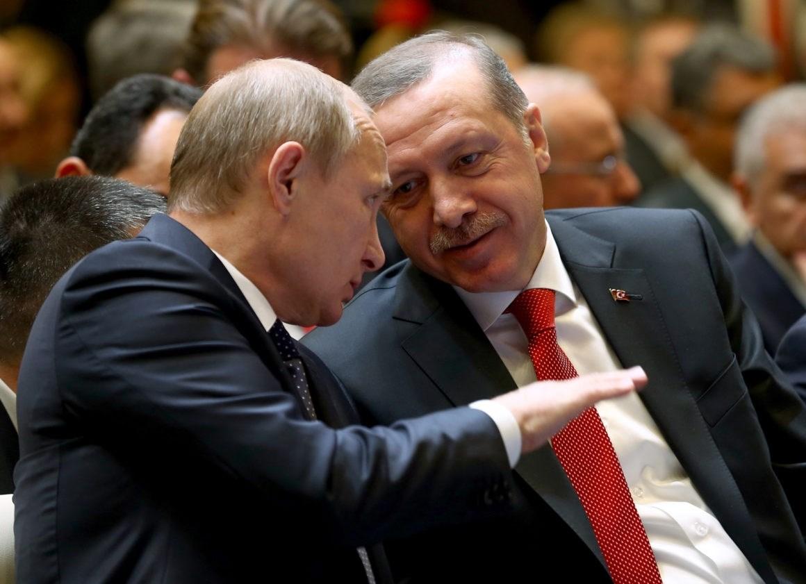 إردوغان يلتقي بوتين الخميس في روسيا لبحث الوضع في سوريا