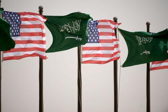 صحيفة: واشنطن تدرس بجدية ممارسة الضغط على السعودية لخفض إنتاج النفط